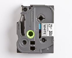 Páska BROTHER TZE-241 bílá / černá 18mm