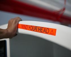 Páska BROTHER TZE-B31 signální oranžová 12mm